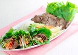 牛肉と野菜のロールサラダ
