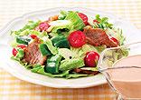 カリカリ豚のオーロラソースサラダ