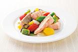 鮭と夏野菜の甘酢漬け