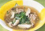 豚肉ときのこの酸味スープ