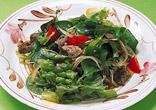 牛肉のハーブサラダ