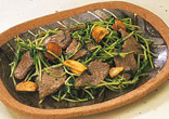 豆苗と牛肉のこしょう炒め