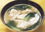 豆腐入りえび餃子のスープ