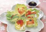 鮭といくらのレタスカップ寿司